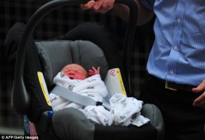 Royal Baby in Britax (Sumber foto: sini)